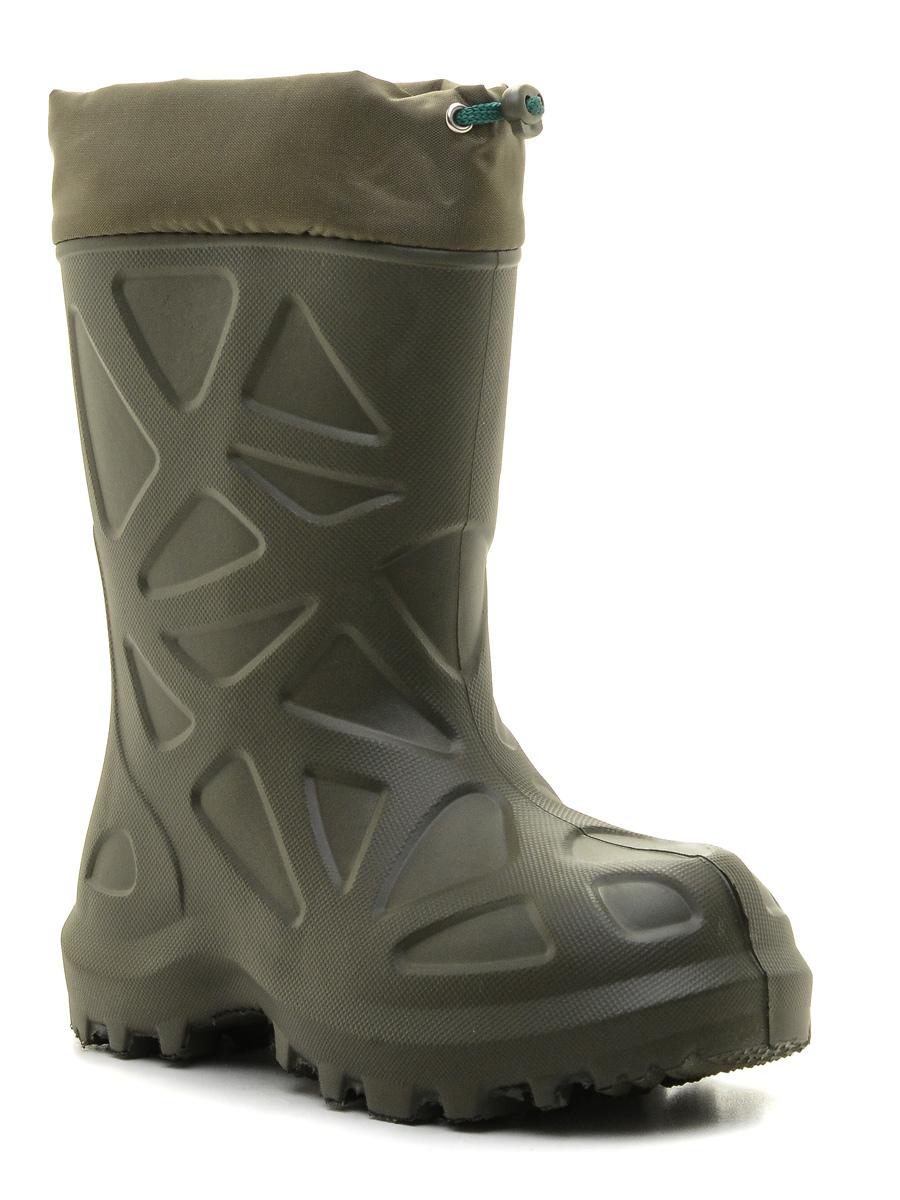 Сапоги резиновые для мальчика Каури, цвет: олива. 490 НУ. Размер 25/26490 НУРезиновые сапоги Каури - идеальная обувь в холодную дождливую погоду для вашего ребенка. Сапоги выполнены из качественной резины и оформлены декоративным тиснением. Внутренняя поверхность и стелька, выполненные из натурального меха, способствуют поддержанию тепла и комфортны при ходьбе. Текстильный верх голенища регулируется в объеме за счет шнурка со стоппером. Подошва с рифлением обеспечивает отличное сцепление на любой поверхности.