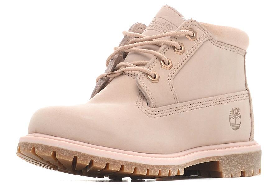 Ботинки женские Timberland Chukka Double Waterproof Boot, цвет: розовый. TBLA1K9CW. Размер 6,5 (36,5)TBLA1K9CWСтильные ботинки Timberland не оставят вас равнодушной. Модель на классической шнуровке, выполнена из натурального нубука и оформлена на язычке тиснением в виде логотипа бренда. Внутренняя поверхность и стелька изготовлены из натуральной кожи. Модель дополнена мягким валиком для комфортной посадки вокруг лодыжки. Подошва с рифлением обеспечивает идеальное сцепление с любыми поверхностями. Такие чудесные ботинки займут достойное место в вашем гардеробе.
