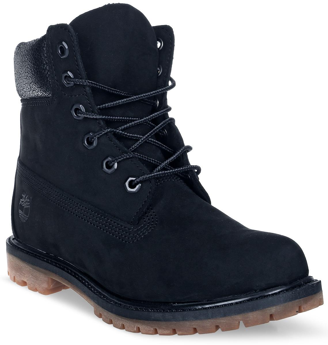 Ботинки женские Timberland 6 Premium Waterproof Boot, цвет: черный. TBLA1K38W. Размер 9,5 (40)TBLA1K38WСтильные ботинки Timberland не оставят вас равнодушной. Модель на классической шнуровке, выполнена из натурального нубука и оформлена прострочкой. Внутренняя поверхность и стелька изготовлены из натуральной кожи. Модель дополнена мягким валиком для комфортной посадки вокруг лодыжки. Подошва с рифлением обеспечивает идеальное сцепление с любыми поверхностями. Такие чудесные ботинки займут достойное место в вашем гардеробе.