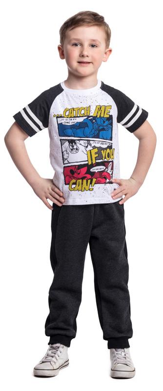 Брюки спортивные для мальчика PlayToday, цвет: черный. 371025. Размер 104371025Спортивные брюки PlayToday с начесом выполнены из смесовой ткани с высоким содержанием натурального хлопка. Пояс на широкой резинке, не сдавливающей живот ребенка, дополнен регулируемым шнуром-кулиской. Низ штанин на манжетах. Свободный крой не сковывает движений ребенка.