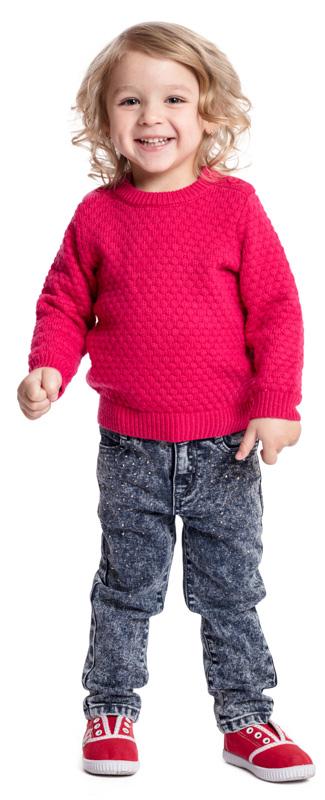 Джемпер для девочки PlayToday, цвет: фуксия. 378010. Размер 92378010Джемпер PlayToday - отличное решение для повседневного гардероба ребенка. Модель крупной вязки. Горловина, манжеты и низ изделия на мягких трикотажных резинках. По плечу модель дополнена застежкой на пуговицы для удобства надевания.