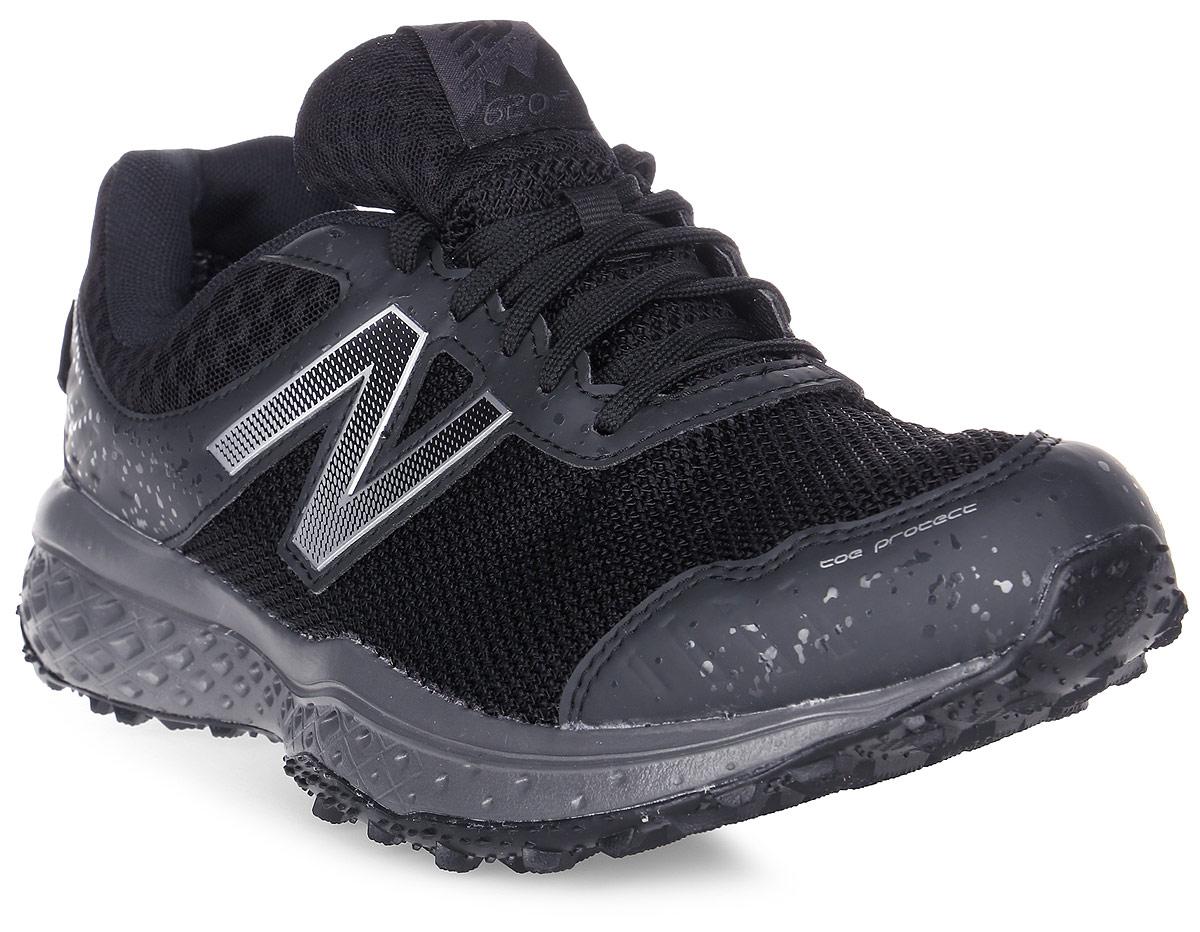 Кроссовки мужские New Balance 620, цвет: черный. MT620GT/D. Размер 8 (41,5)MT620GT/DСтильные мужские кроссовки от New Balance 620 станут отличным выбором для людей, которые всегда стремятся быть в тренде. Верх модели выполнен из текстиля со вставками из полиуретана. По бокам обувь оформлена декоративными элементами в виде фирменного логотипа бренда, на язычке - фирменной нашивкой. Классическая шнуровка надежно зафиксирует изделие на ноге. Подкладка и стелька, изготовленные из текстиля, гарантируют уют и предотвращают натирание. Удобные кроссовки займут достойное место среди коллекции вашей обуви.