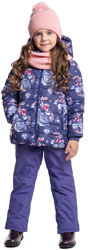 Куртка для девочки PlayToday, цвет: фиолетовый, сиреневый. 372052. Размер 116372052Утепленная куртка с капюшоном PlayToday, изготовленная из водоотталкивающей ткани, - отличное решение для холодной промозглой погоды. Модель на молнии. Вшивной капюшон на регулируемом шнуре-кулиске. С внутренней стороны для стопперов шнура предусмотрены скрытые карманы. Трикотажные манжеты из плотной резинки сохраняют тепло. Куртка с вшивными карманами на молнии. Модель из принтованной ткани с цветочным рисунком. Воротник куртки с внутренней стороны дополнен мягкой трикотажной вставкой.
