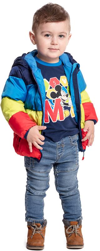 Куртка для мальчика PlayToday, цвет: синий, желтый, красный. 377004. Размер 92377004Яркая утепленная куртка PlayToday с вшивным капюшоном - отличное решение для промозглой погоды. Ткань с водоотталкивающей пропиткой. Модель на молнии, специальный карман для фиксации бегунка не позволит застежке травмировать нежную детскую кожу. Подкладка из натурального хлопка хорошо впитывает лишнюю влагу. Куртка дополнена вшивными карманами. Контур капюшона, манжеты и низ изделия на мягких трикотажных резинках.