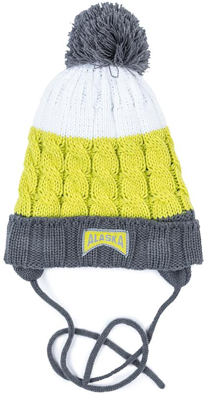 Шапка для мальчика PlayToday, цвет: серый, зеленый, белый. 371126. Размер 50371126Вязаная шапка PlayToday на завязках. Подкладка из теплого флиса. Шапка плотно прилегает к голове и комфортна при носке. В качестве декора использованы оригинальный жаккардовый рисунок и яркий помпон.