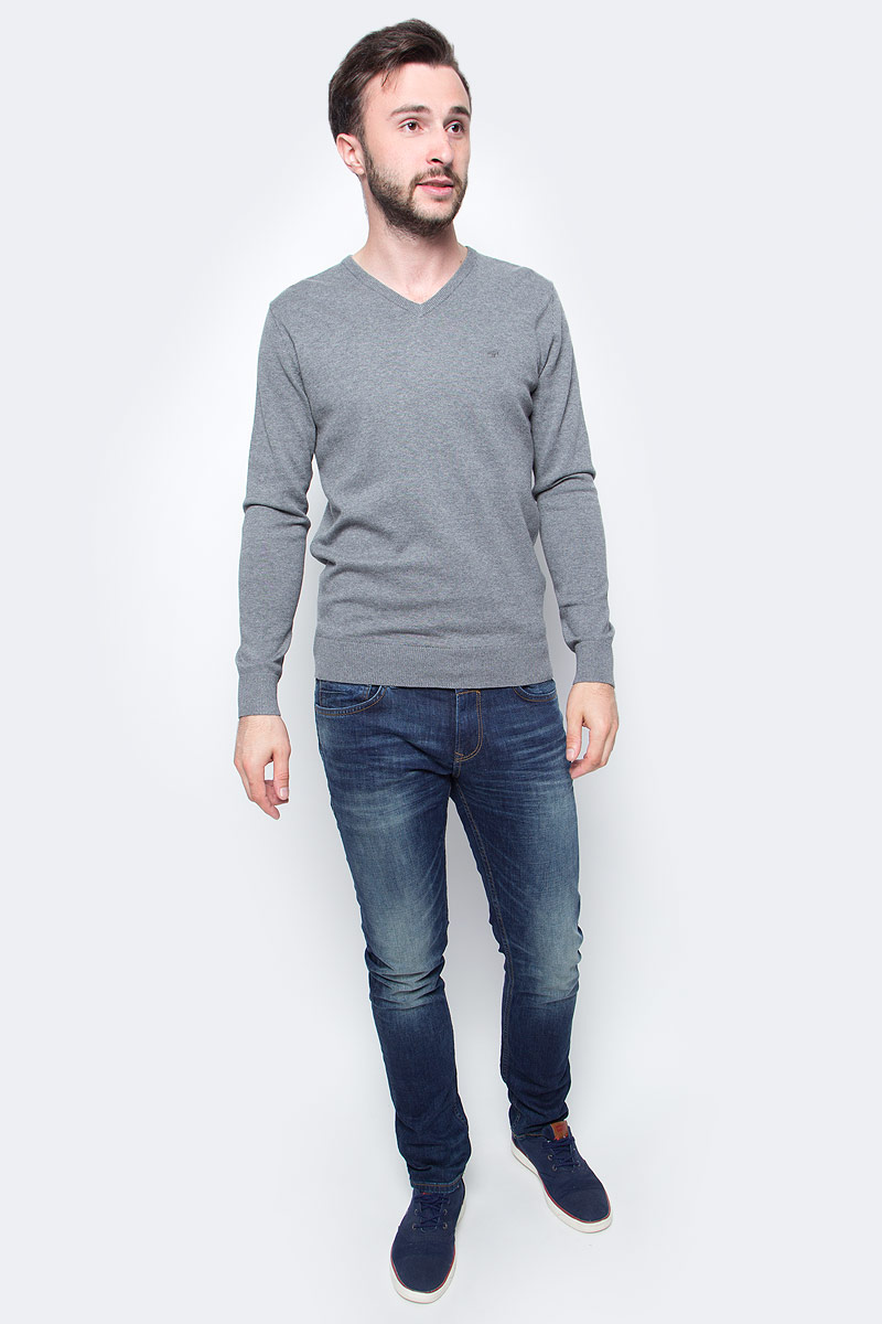 Пуловер мужской Tom Tailor, цвет: серый. 3022881.09.10. Размер XL (52)3022881.09.10Мужской пуловер Tom Tailor выполнен из натурального хлопка. Модель с длинными рукавами и V-образным вырезом горловины.