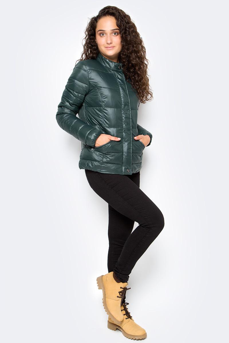 Куртка женская Tom Tailor, цвет: зеленый. 3555005.00.71_7806. Размер XL (50)3555005.00.71_7806Утепленная стеганая куртка Tom Tailor выполнена из ветрозащитного материала. Модель с длинными рукавами и воротником-стойкой застегивается на молнию и имеет ветрозащитный клапан на кнопках. Спереди куртка дополнена прорезными карманами на молниях.