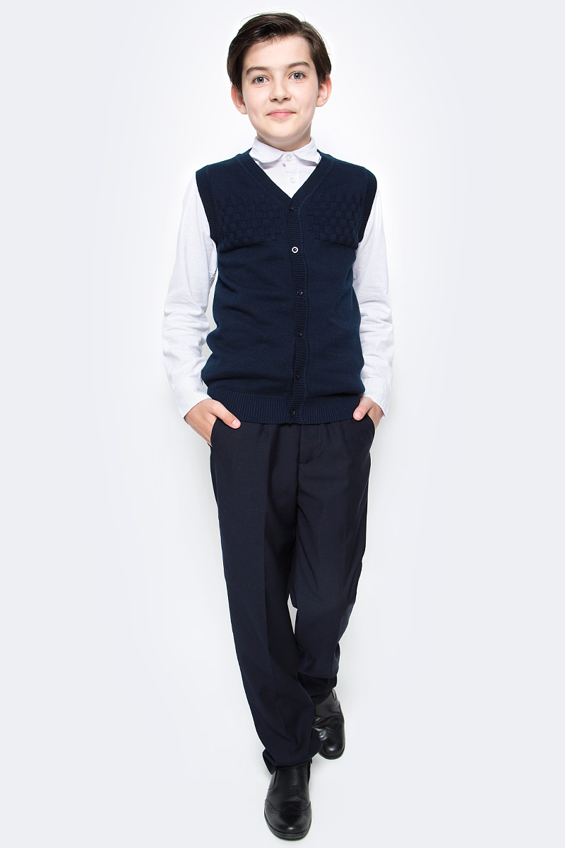 Жилет для мальчика Vitacci, цвет: темно-синий. 1173002-04. Размер 1641173002-04Жилет школьный для мальчика выполнен из натурального хлопка. Модель застегивается на пуговицы.