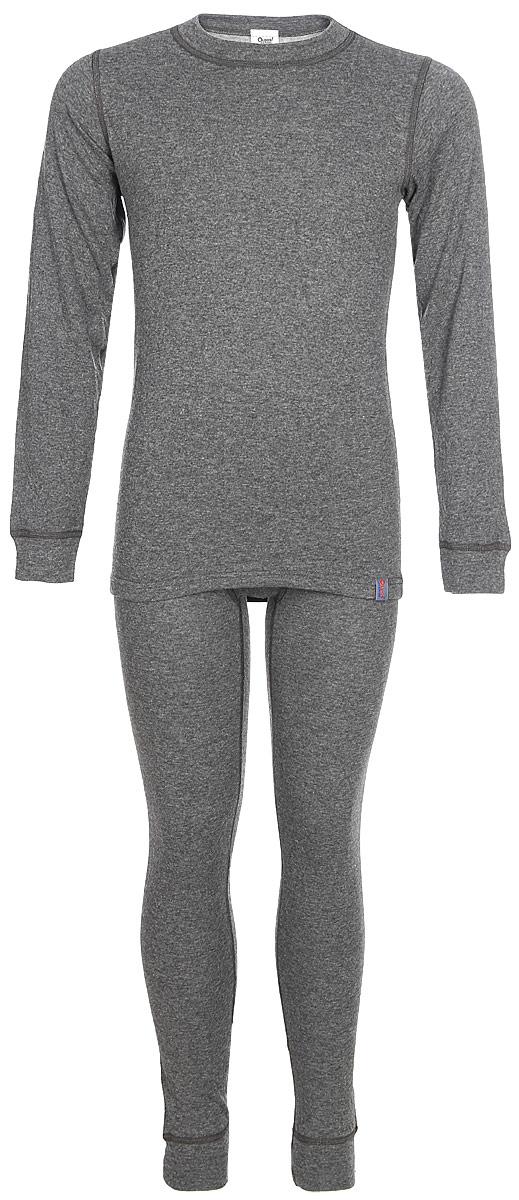 Комплект термобелья для мальчика Oldos Active Warm: футболка с длинным рукавом, кальсоны, цвет: темно-серый, серый, антрацит. 002МН. Размер 140, 10 лет002МНКомплект термобелья для мальчика Oldos Active Warm, состоящий из футболки с длинным рукавом и кальсон, предназначен для сохранения тепла и отвода влаги с поверхности тела.Термобелье отличается от обычного белья лучшей способностью сохранять тепло между кожей и тканью, вдобавок оно более эластичное, благодаря чему, оно не стесняет движений, не деформируется и служит дольше. Содержащийся в термобелье воздух, соприкасаясь с телом, нагревается до комфортной температуры. Таким образом, создается защитная прослойка из теплого воздуха между кожей и холодной внешней средой. При физической нагрузке кожа ребенка выделяет влагу, которая накапливаясь в ткани обычного белья, снижает его теплосберегающие свойства. На согревание и испарение этой влаги расходуется дополнительная энергия. Термобелье отводит влагу от тела. Защитная прослойка из теплого воздуха между кожей и внешней средой за счет разницы давления выталкивает влагу из термобелья. Это снижает теплопотери организма в холодную погоду, добавляет ощущение комфорта, защищает организм от перегрева во время физических нагрузок, а также от переохлаждения и простуды после их окончания.Двухслойное полотно - цельно вязаная ткань с различным составом нитей на лицевой и изнаночной сторонах. Плетение нитей TermoActive увеличивает прослойку воздуха между кожей ребенка и внешней средой, повышая тепловые свойства. Синтетический слой внутри быстро и эффективно отводит влагу, а хлопок и шерсть снаружи сохраняют тепло.Кофта с длинными рукавами и круглым вырезом горловины. Рукава дополнены широкими трикотажными манжетами. Горловина дополнена трикотажной резинкой. Спинка незначительно удлинена. Кальсоны на талии имеют широкую эластичную резинку, а брючины дополнены широкими трикотажными манжетами.Комплект термобелья используется как для повседневной носки, так и для активного отдыха. Рек