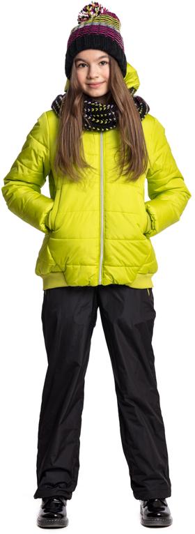 Куртка для девочки Scool, цвет: зеленый. 374001. Размер 146374001Утепленная куртка с капюшоном Scool яркого сочного цвета - хорошее решение для периода смены сезонов. Ткань с водоотталкивающей пропиткой. Капюшон на мягкой резинке, даже во время активных игр капюшон не упадет с головы ребенка. Куртка дополнена вшивными карманами на кнопках. Низ и манжеты куртки на плотной трикотажной резинке. Светоотражатели обеспечат видимость ребенка в темное время суток.