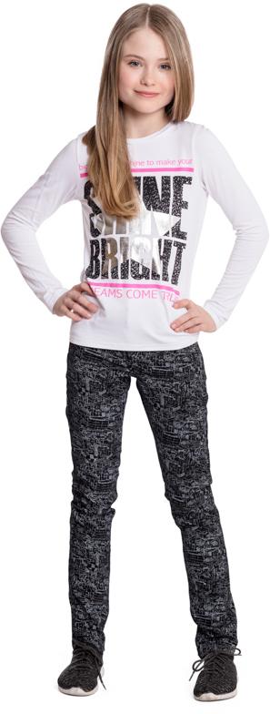 Брюки для девочки Scool, цвет: черный, серый. 374012. Размер 134374012Практичные брюки Scool из смесовой ткани с высоким содержанием натурального волокна - отличное решение для повседневного гардероба. Добавление в материал эластана позволяет изделию хорошо сесть по фигуре. Брюки классической пятикарманной модели, со шлевками. При необходимости могут быть дополнены ремнем.