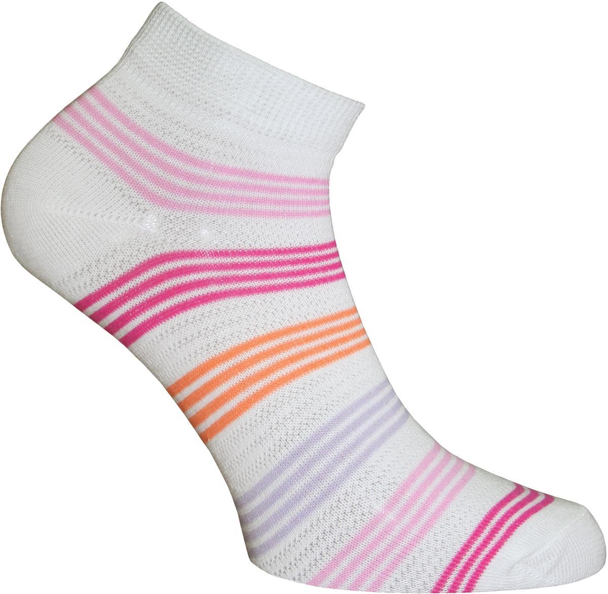 Носки женские Master Socks, цвет: белый. 55151. Размер 2355151Удобные носки Master Socks, изготовленные из высококачественного комбинированного материала с хлопковой основой, очень мягкие и приятные на ощупь, позволяют коже дышать.Эластичная резинка плотно облегает ногу, не сдавливая ее, обеспечивая комфорт и удобство. Носки с укороченным паголенком оформлены принтом в полоску. Практичные и комфортные носки великолепно подойдут к любой вашей обуви.