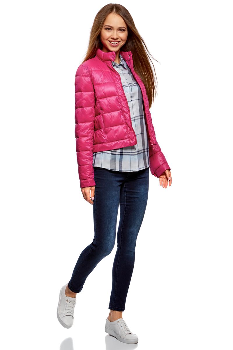 Куртка женская oodji Ultra, цвет: фуксия. 10203038-5B/33445/4701N. Размер 42-170 (48-170)10203038-5B/33445/4701NКуртка женская oodji Ultra выполнена из полиамида. Модель с длинными рукавами застегивается на застежку-молнию и кнопку.