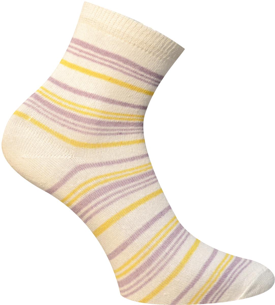 Носки детские Master Socks, цвет: молочный. 52064. Размер 2052064Удобные носки Master Socks, изготовленные из высококачественного комбинированного материала с хлопковой основой, очень мягкие и приятные на ощупь, позволяют коже дышать.Эластичная резинка плотно облегает ногу, не сдавливая ее, обеспечивая комфорт и удобство. Носки с паголенком классической длины оформлены принтом в полоску. Практичные и комфортные носки великолепно подойдут к любой вашей обуви.