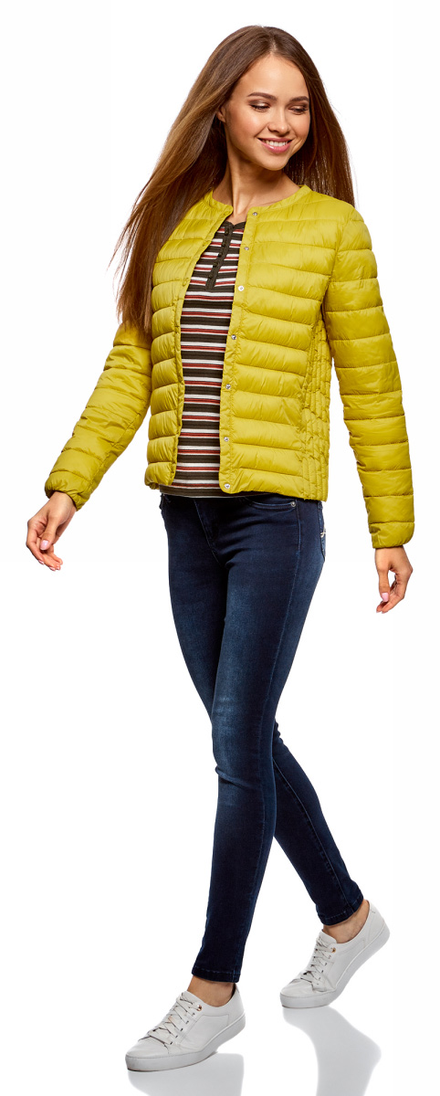 Куртка женская oodji Ultra, цвет: желтый. 10204040B/45638/5200N. Размер 36-170 (42-170)10204040B/45638/5200NЖенская куртка oodji c длинными рукавами выполнена из прочного полиамида. Модель застегивается на застежку-молнию и кнопки.