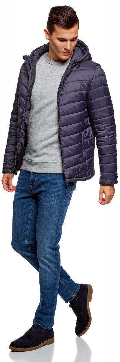 Куртка мужская oodji Basic, цвет: синий. 1B112001M/25278N/7500N. Размер L-182 (52/54-182)1B112001M/25278N/7500NУтепленная куртка с капюшоном oodji Basic выполнена из мягкой плащевой ткани. По бокам расположены прорезные карманы. Куртка застегивается на молнию. Свободный крой и длина до бедер подойдут мужчинам любого телосложения. Куртка идеально сочетается с джинсами, джемпером и грубыми ботинками на шнуровке. Из аксессуаров можно подобрать рюкзак и тонкую трикотажную шапку. Куртку можно носить на рубашки или свитшоты. Надев к куртке трикотажные спортивные брюки, вы создадите комфортный образ в спортивном стиле. Из обуви подойдут кроссовки или кеды. В утепленной куртке будет комфортно в холодную погоду. С ней вы составите множество стильных повседневных образов.