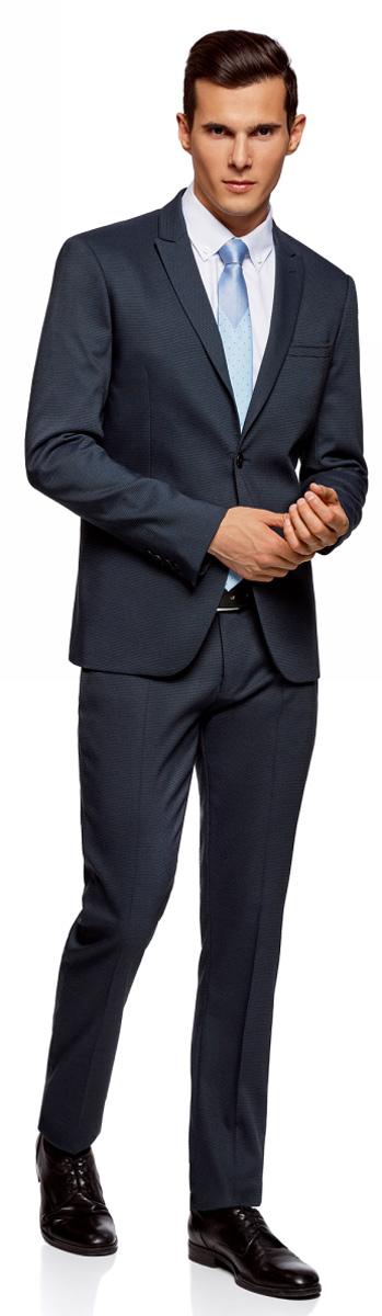 Пиджак мужской oodji Lab, цвет: темно-синий. 2L420204M/47131N/7900O. Размер 46-182 (46-182)2L420204M/47131N/7900OСтильный пиджак oodji Lab выполнен из качественного фактурного материала и отлично садится по фигуре. Модель приталенного кроя с длинными рукавами и воротником с лацканами застегивается на пуговицы и дополнена прорезным карманом на груди и двумя прорезными карманами по бокам от талии. Манжеты рукавов дополнены рядом пуговиц, сзади имеется шлица. Элегантный пиджак станет основой для делового гардероба.