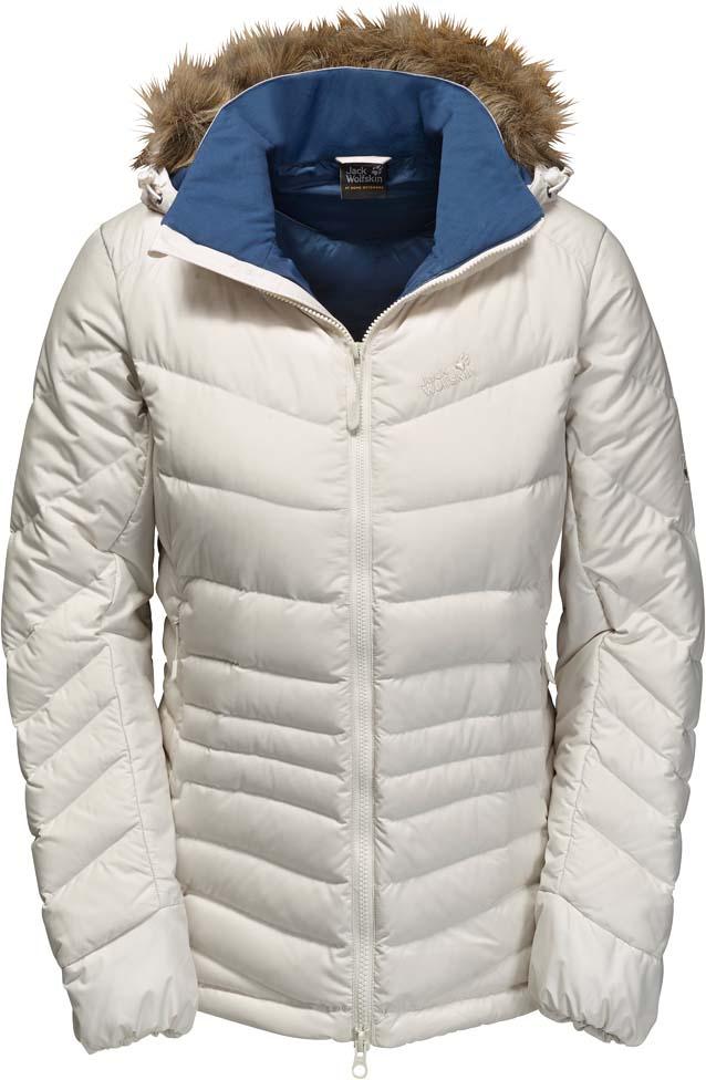 Пуховик женский Jack Wolfskin Selenium Bay, цвет: молочный. 1202901-5045. Размер XS (42)1202901-5045Ветронепроницаемая, очень теплая куртка на пуху с отстегивающимся капюшоном с отделкой из искусственного меха Jack Wolfskin Selenium Bay обеспечит вам надежное тепло для долгих и холодных дней. Модель приталенного кроя с воротником-стойкой, надежно защищающими от ветра, застегивается на молнию и дополнена двумя внешними и внутренним прорезными карманами на молниях. Съемный капюшон с возможностью регулировать внутренний объем и область обзора дополнен съемной оторочкой из искусственного меха. С курткой Selenium вы всегда готовы к зимним приключениям. Эта теплая и удобная пуховая куртка великолепно подходит для холодной погоды.В качестве наполнителя выбран объемный утиный пух и перья, а также Microguard (80 г/м?) - синтетический утеплитель со средним уровнем теплоизоляции. Даже несмотря на то, что куртка очень мало весит, вы сможете почувствовать тепло сразу же, как только ее наденете. Ветронепроницаемая внешняя ткань Stormlock Softtouch, очень легкая и мягкая, повышает теплоизоляцию. Капюшон защищает голову от холода, и если он вам не нужен, его можно отстегнуть.
