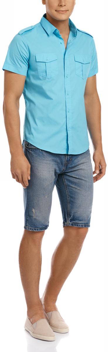 Рубашка мужская oodji Lab, цвет: бирюза. 3L410094M/23453N/7300N. Размер XL-182 (56-182)3L410094M/23453N/7300NРубашка с короткими рукавами и нагрудными карманами. Воротник классический, на плечах декоративные погоны на пуговицах. Рубашка с погонами – всегда беспроигрышный вариант, если вы хотите надеть что-то менее официальное и классическое. Накладные карманы выполняют скорее декоративную функцию. Не стоит нагружать их разными предметами. Рубашка прямого силуэта, слегка приталенная. Ее можно носить заправленной или навыпуск. Такая модель идет мужчинам разной комплекции и роста. Элегантная рубашка – прекрасный вариант для базового гардероба. Ее можно использовать при создании делового или повседневного лука. Рубашка сочетается с прямыми и зауженными брюками, хорошо смотрится с джинсами. В жаркие дни рубашку можно надеть с шортами до колен. В таком образе можно отправиться на вечеринку или загородный отдых.