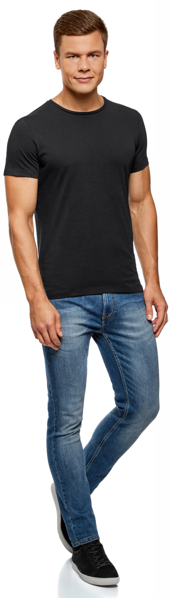 Футболка мужская oodji Basic, цвет: черный, 7 шт. 5B621002T7/44135N/2900N. Размер XL (56)5B621002T7/44135N/2900NБазовая футболка из натурального хлопка. Круглый вырез, приталенный крой и короткий узкий рукав. В мужском гардеробе обязательно должна быть такая базовая футболка, поскольку ее можно носить в разных сочетаниях и в любое время года, создавая разные образы. Такая футболка эффектно смотрится с принтованными хлопчатобумажными шортами. В прохладную погоду можно надевать футболку под джемпер или рубашку. Базовая футболка хорошо сочетается со спортивными костюмами и шортами. В ней удобно заниматься спортом.