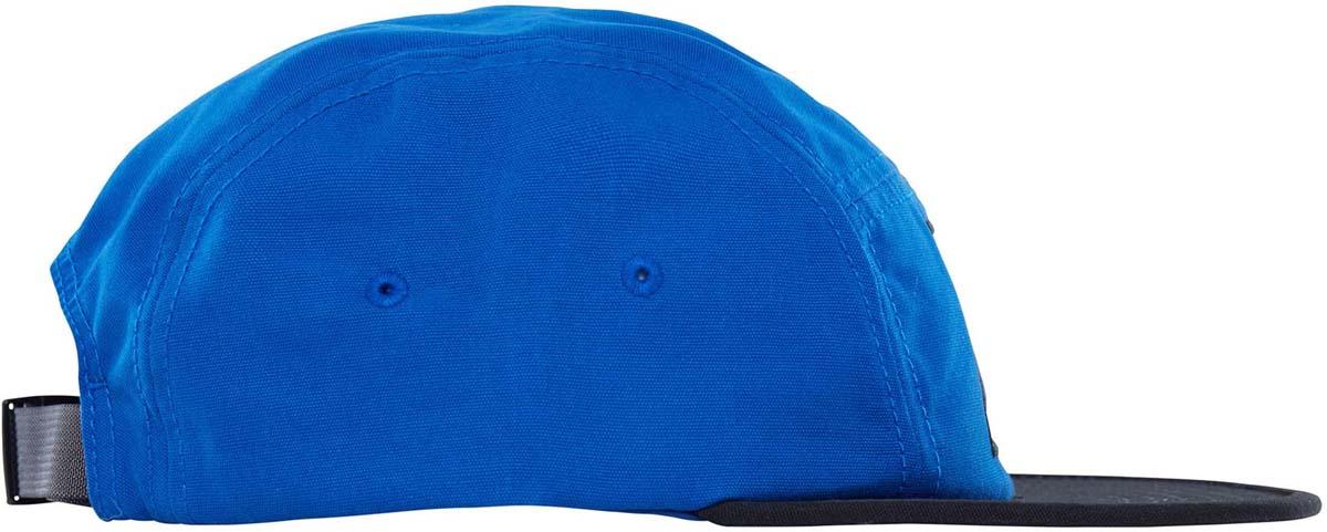 Бейсболка The North Face Tnf Five Panel Cap, цвет: синий, черный. T0CF8KWAJ. Размер универсальныйT0CF8KWAJБейсболка The North Face с плоским козырьком изготовлена из натурального хлопка. С внутренней стороны модель снабжена специальной лентой по краю для впитывания излишков влаги. Отрегулировать размер можно с помощью застежки на задней части изделия. Модель дополнена фирменным логотипом.