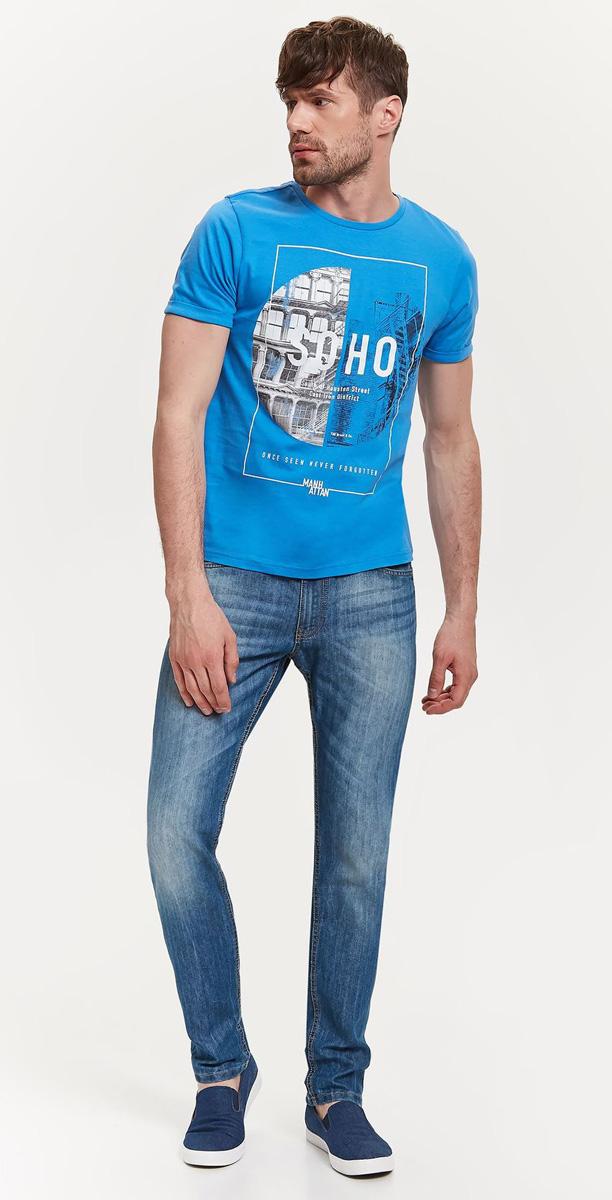Джинсы мужские Top Secret, цвет: синий. SSP2613GR. Размер 33H (48/50-32)SSP2613GRСтильные мужские джинсы Top Secret - джинсы великолепного качества на каждый день, которые прекрасно сидят. Модель зауженного к низу кроя и средней посадки изготовлена из высококачественного материала, не сковывает движения. На поясе имеются шлевки для ремня. Спереди модель оформлены двумя втачными карманами и одним небольшим секретным кармашком, а сзади - двумя накладными карманами. Джинсы оформлены легким эффектом потертости. Эти модные и в тоже время комфортные джинсы послужат отличным дополнением к вашему гардеробу. В них вы всегда будете чувствовать себя уверенно и комфортно.