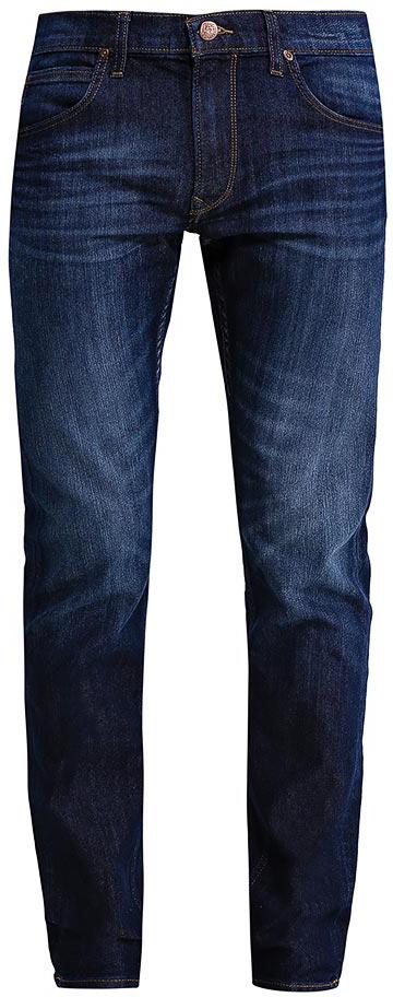 Джинсы мужские Lee Daren Zip Fly, цвет: темно-синий. L707ACIV. Размер 34-32 (50-32)L707ACIVМужские джинсы Lee Daren Zip Fly выполнены из высококачественного хлопка с добавлением эластомультиэстера. Прямые джинсы стандартной посадки застегиваются на пуговицу в поясе и ширинку на застежке-молнии, дополнены шлевками для ремня. Джинсы имеют классический пятикарманный крой: спереди модель дополнена двумя втачными карманами и одним маленьким накладным кармашком, а сзади - двумя накладными карманами. Джинсы украшены декоративными потертостями.