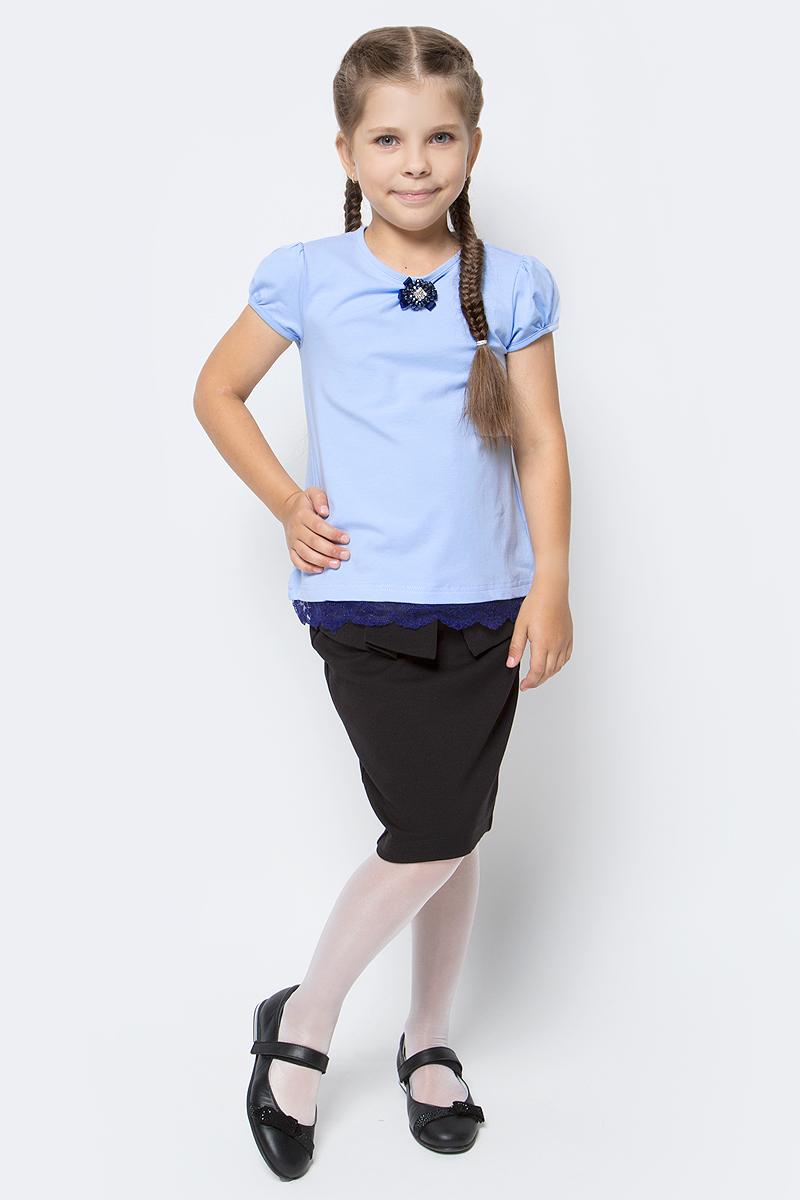 Блузка для девочки Nota Bene, цвет: голубой. SJR27048A10. Размер 128SJR27048A10Блузка для девочки Nota Bene выполнена из хлопкового трикотажа с кружевной тесьмой. Модель с короткими рукавами-фонариками и круглым вырезом горловины.