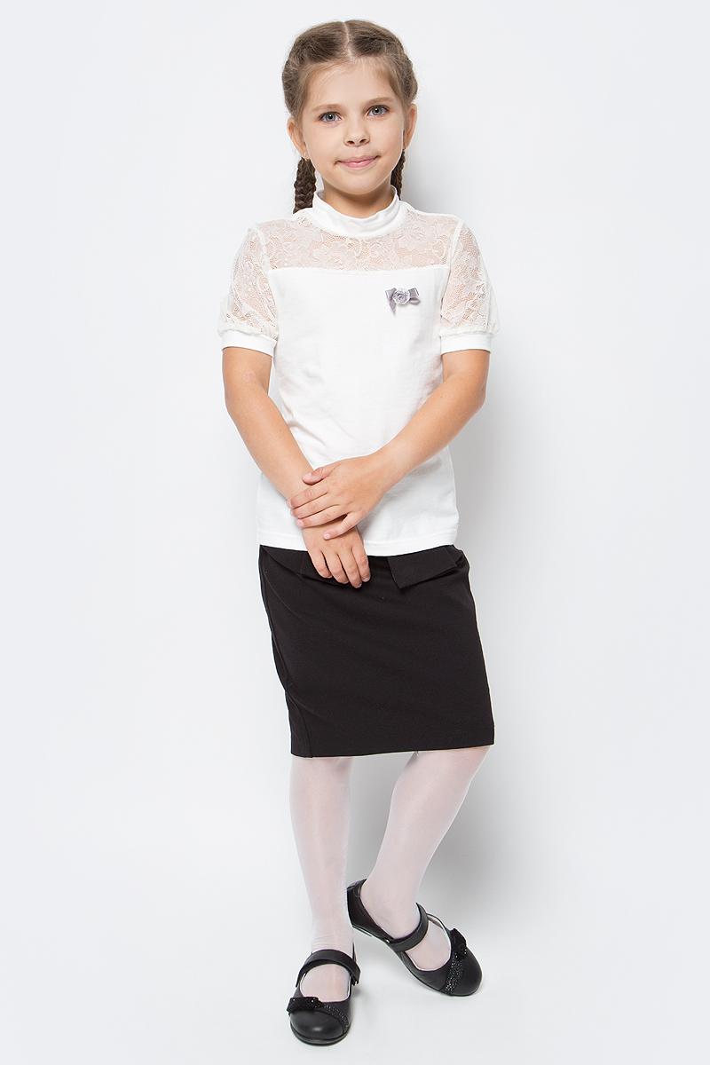 Блузка для девочки Nota Bene, цвет: молочный. CJR270433B17. Размер 152CJR270433A17/CJR270433B17Блузка для девочки Nota Bene выполнена из хлопкового трикотажа в сочетании с гипюром. Модель с короткими рукавами и воротником-стойкой.