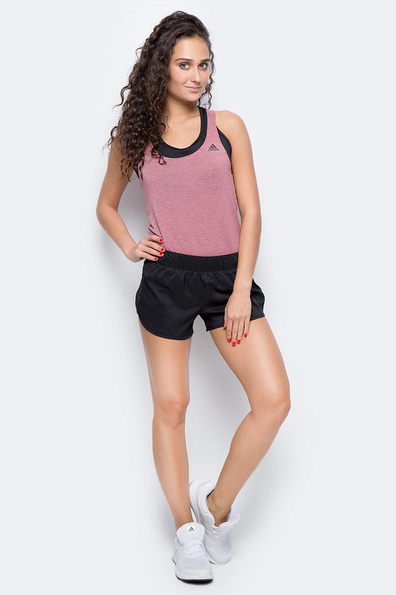 Шорты для бега женские Adidas M10 Woven Short, цвет: черный. CE2015. Размер XL (52/54)CE2015Шорты женские Adidas изготовлены из полиэстера. Эти беговые шорты сохраняют ощущение прохлады и свежести во время ежедневных тренировок. Скрытый карман идеально подходит для ключей, а эластичный пояс на завязках обеспечивает комфортную посадку. Модель дополнена светоотражающимися элементами.