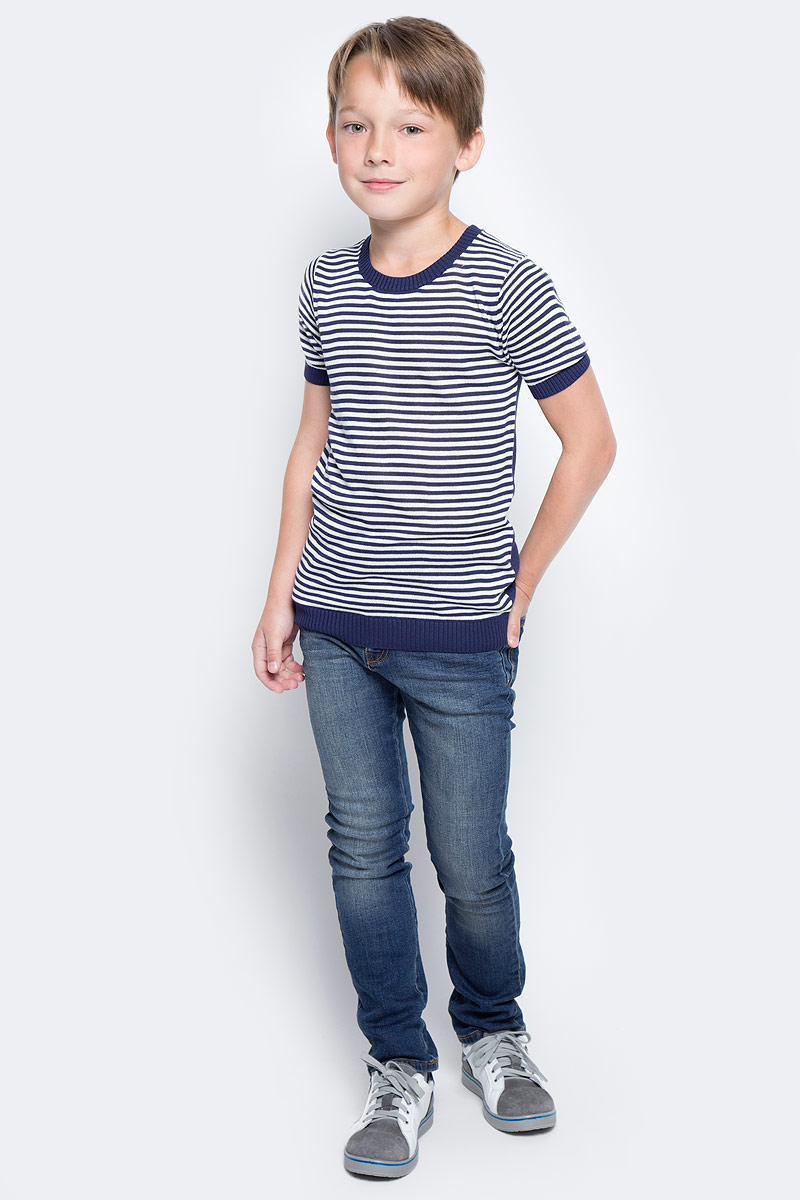 Футболка для мальчика Vitacci, цвет: темно-синий, белый. 1172029-04. Размер 1281172029-04Актуальная во все времена полоска и контрастная отделка горловины и рукавов делают футболку для мальчика оригинальной и модной. Изготовленная из качественной вискозы модель будет приятно охлаждать в жаркую погоду.