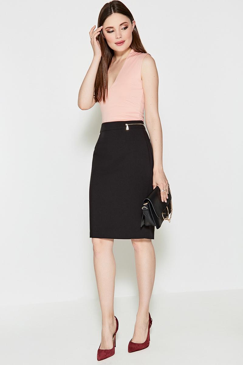 Блузка женская Concept Club Gelios, цвет: светло-розовый. 10200110266. Размер L (48)10200110266Блузка от Concept Club выполнена из эластичного гладкого трикотажа и декорирована глубоким V-образным вырезом декольте. Модель облегающего силуэта без рукавов.