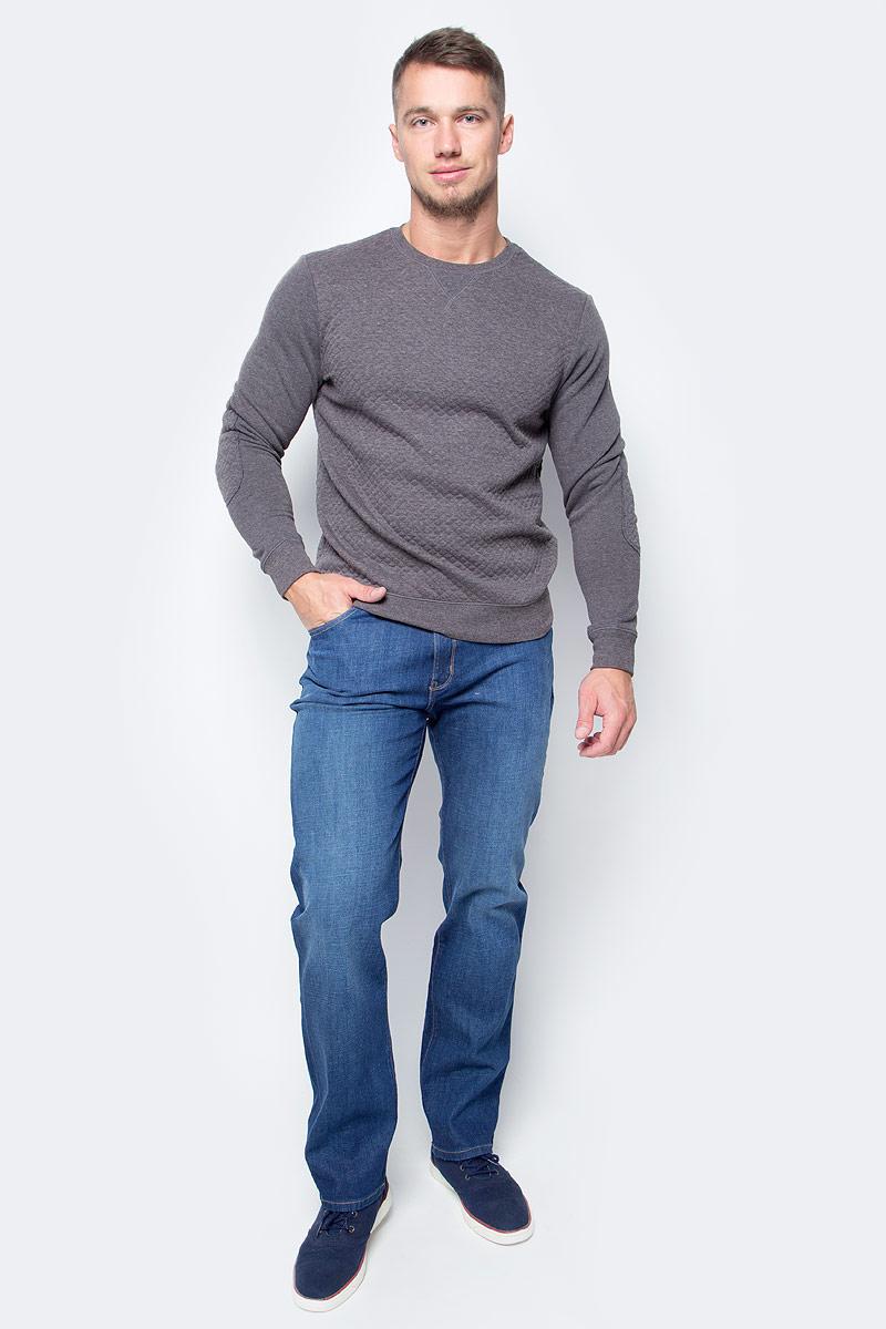 Джинсы мужские Wrangler Arizona, цвет: синий. W12OPQ74Q. Размер 40-34 (56-34)W12OPQ74QМужские джинсы Wrangler станут отличным дополнением к вашему гардеробу. Джинсы выполнены из эластичного хлопка. Изделие мягкое и приятное на ощупь, не сковывает движения и позволяет коже дышать.Модель на поясе застегивается на металлическую пуговицу и ширинку на металлической застежке-молнии, а также предусмотрены шлевки для ремня. Модель имеет классический пятикарманный крой: спереди расположены два втачных кармана и один маленький кармашек, а сзади - два накладных кармана.Современный дизайн, отличное качество и расцветка делают эти джинсы модным, стильным и практичным предметом мужской одежды. Такая модель подарит вам комфорт в течение всего дня.