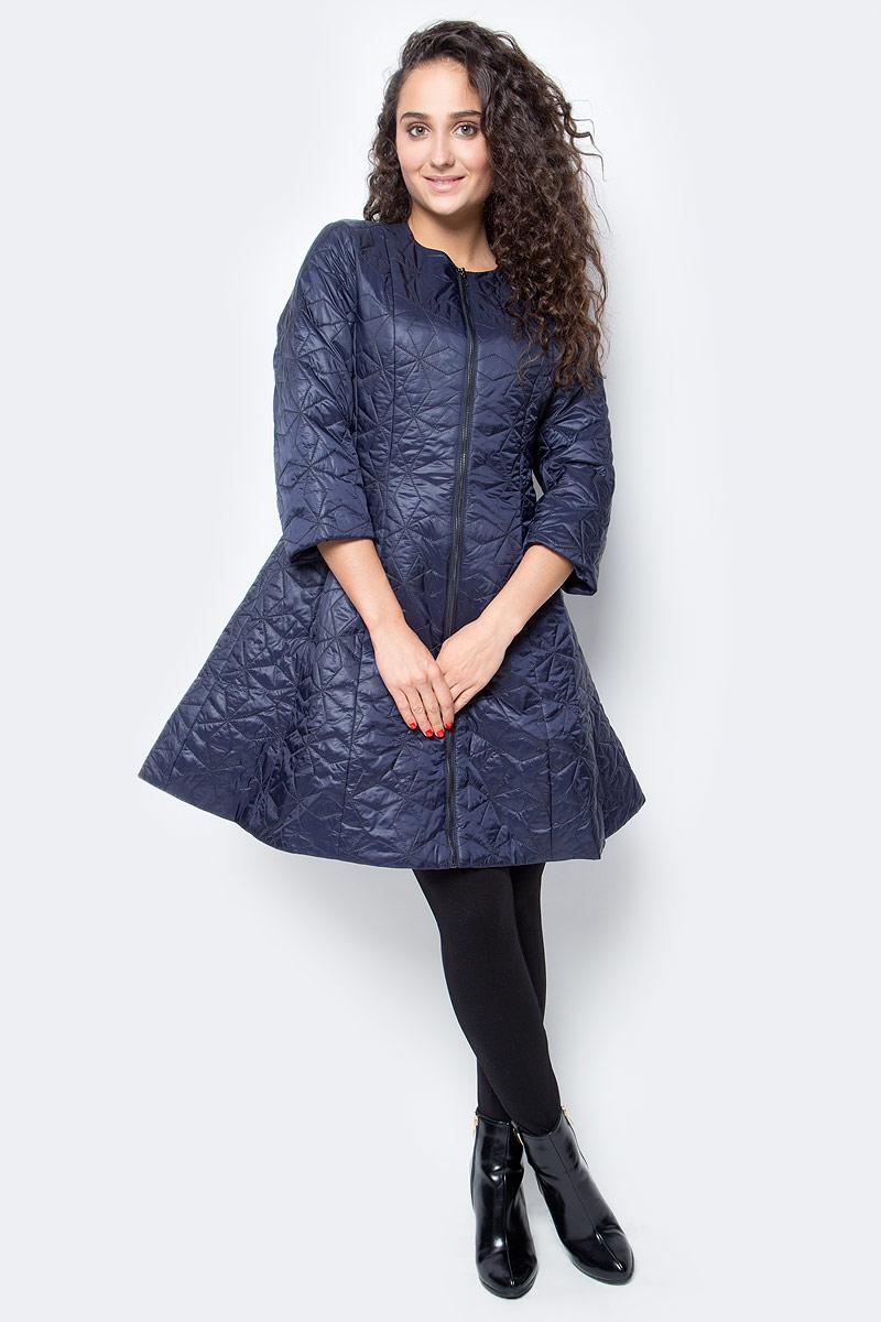 Куртка женская Baon, цвет: синий. B037551_Dark Navy. Размер M (46)B037551_Dark NavyСоздать подчеркнуто женственный силуэт вам поможет эта куртка от Baon. Куртка приталенного кроя расклешена в нижней части, за счет чего ваша фигура будет смотреться очень изящно. Рукава длиной 3/4 подчеркнут вашу грацию и красоту. Изделие выполнено из материала с мелкой простежкой. Куртка застегивается на молнию, боковые карманы с застежками-молниями спрятаны в швы.