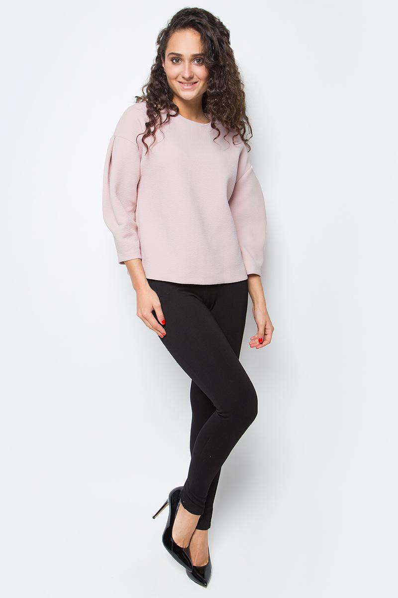 Блузка женская Baon, цвет: розовый. B177542_Dusty Flamingo. Размер M (46)B177542_Dusty FlamingoУкрасьте свой гардероб по-настоящему модной и эффектной вещью! Эта блузка от Baon поможет вам проявить свой оригинальный стиль. Изделие выполнено из фактурного трикотажа. На спине расположена застежка-молния. Блузка имеет прямой крой и заниженные линии пройм, вдоль которых заложены складки рукавов-буф.