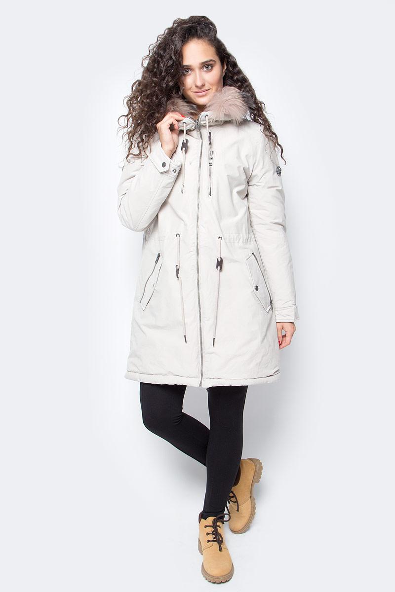 Куртка женская Baon, цвет: серый. B037517_Crystal. Размер M (46)B037517_CrystalЖенская куртка-парка от Baon выполнена из плотного хлопкового текстиля на синтепоновом утеплителе. Модель приталенного кроя застегивается на молнию. Куртка дополнена боковыми и нагрудными карманами на молниях. Капюшон оторочен съемным мехом енота.
