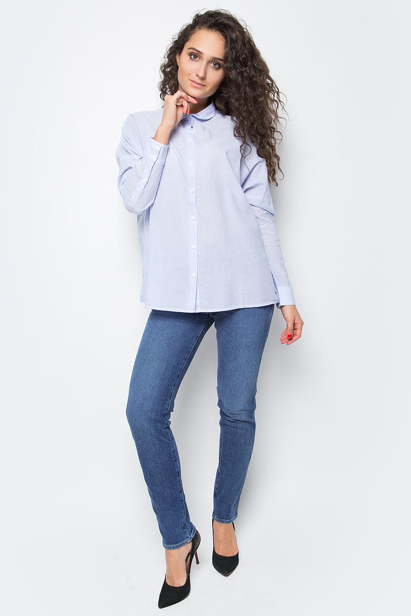 Блузка женская Wrangler, цвет: голубой. W5219LUTH. Размер L (46)W5219LUTHЖенская блузка от Wrangler выполнена из натурального хлопка Plain Weave, который контактирует с поверхностью кожи и выводит с нее пот, обеспечивая ощущение сухости и прохлады в любую погоду. Модель с длинными рукавами и отложным воротником застегивается на пуговицы. Блузка с заниженной линией плеча имеет свободный крой. Стильная комфортная модель для повседневного использования.