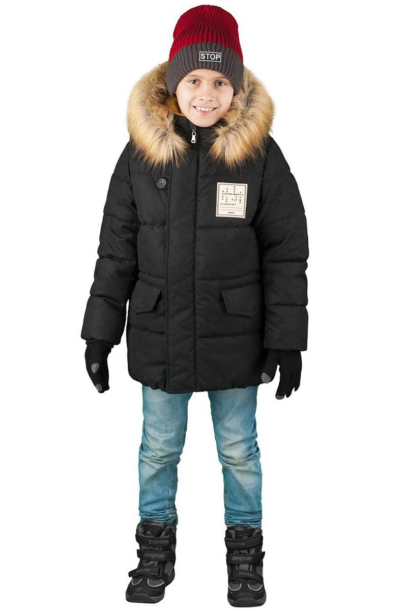 Куртка для мальчика Boom!, цвет: черный. 70492_BOB_вар.3. Размер 110, 5-6 лет70492_BOB_вар.3Куртка от Boom! изготовлена из водонепроницаемого и ветрозащитного материала с утеплителем из синтепона. Модель на подкладке из теплого флиса застегивается на пластиковую застежку-молнию. Куртка дополнена капюшоном с опушкой из искусственного меха и вместительными карманами. Универсальная модель, как на морозы, так и на оттепель.