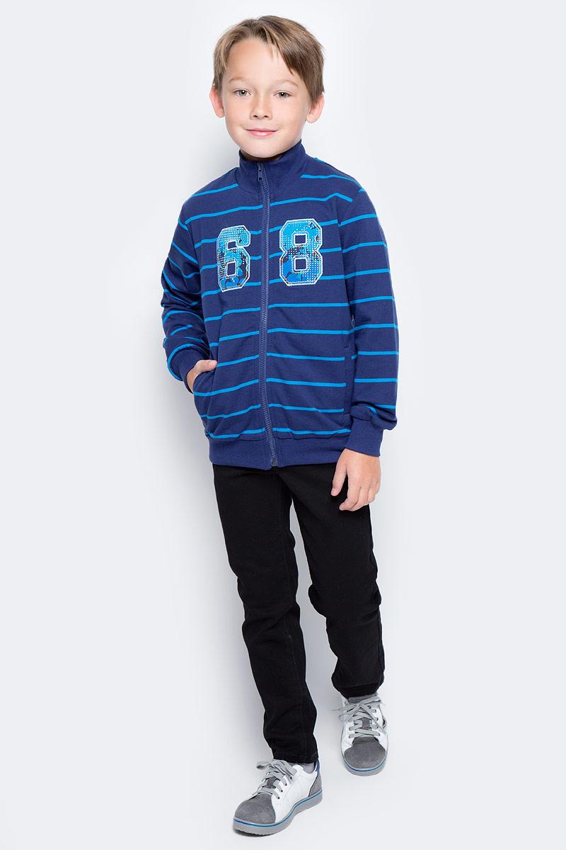 Толстовка для мальчика PlayToday, цвет: темно-синий, голубой. 371164. Размер 110371164Толстовка на молнии PlayToday выполнена из смесовой ткани с высоким содержанием натурального хлопка. Технология изготовления модели Yarn Dyed - в процессе производства используются разного цвета нити. Изделие, при рекомендуемом уходе, не линяет и надолго остается в первоначальном виде. Толстовка на молнии, с высоким горлом.