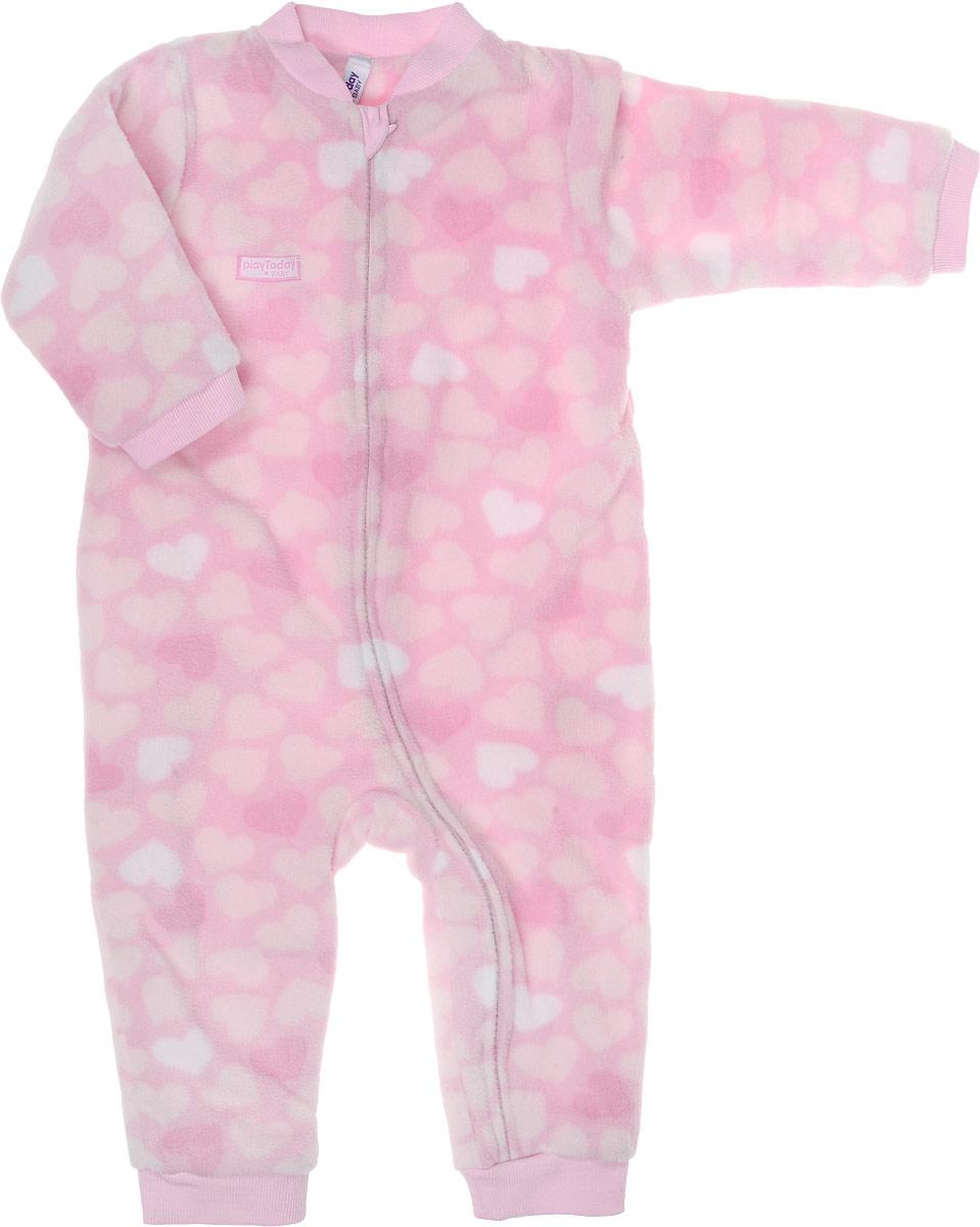 Комбинезон для девочки PlayToday Baby, цвет: розовый, светло-розовый. 178802. Размер 62178802Теплый комбинезон PlayToday Baby подойдет вашей малышке для прохладной погоды. Модель выполнена из флиса на хлопковой подкладке и оформлена принтом с сердечками. Застежка-молния по всей длине позволит быстро снять и одеть изделие, а специальный кармашек для защиты подбородка не позволит застежке травмировать нежную кожу ребенка. Манжеты рукавов на мягких резинках дополнительно снабжены защитными карманами-варежками. Низ брючин и круглый вырез горловины также дополнены резинкой. Комбинезон полностью соответствует особенностям жизни ребенка в ранний период, не стесняя и не ограничивая его в движениях.