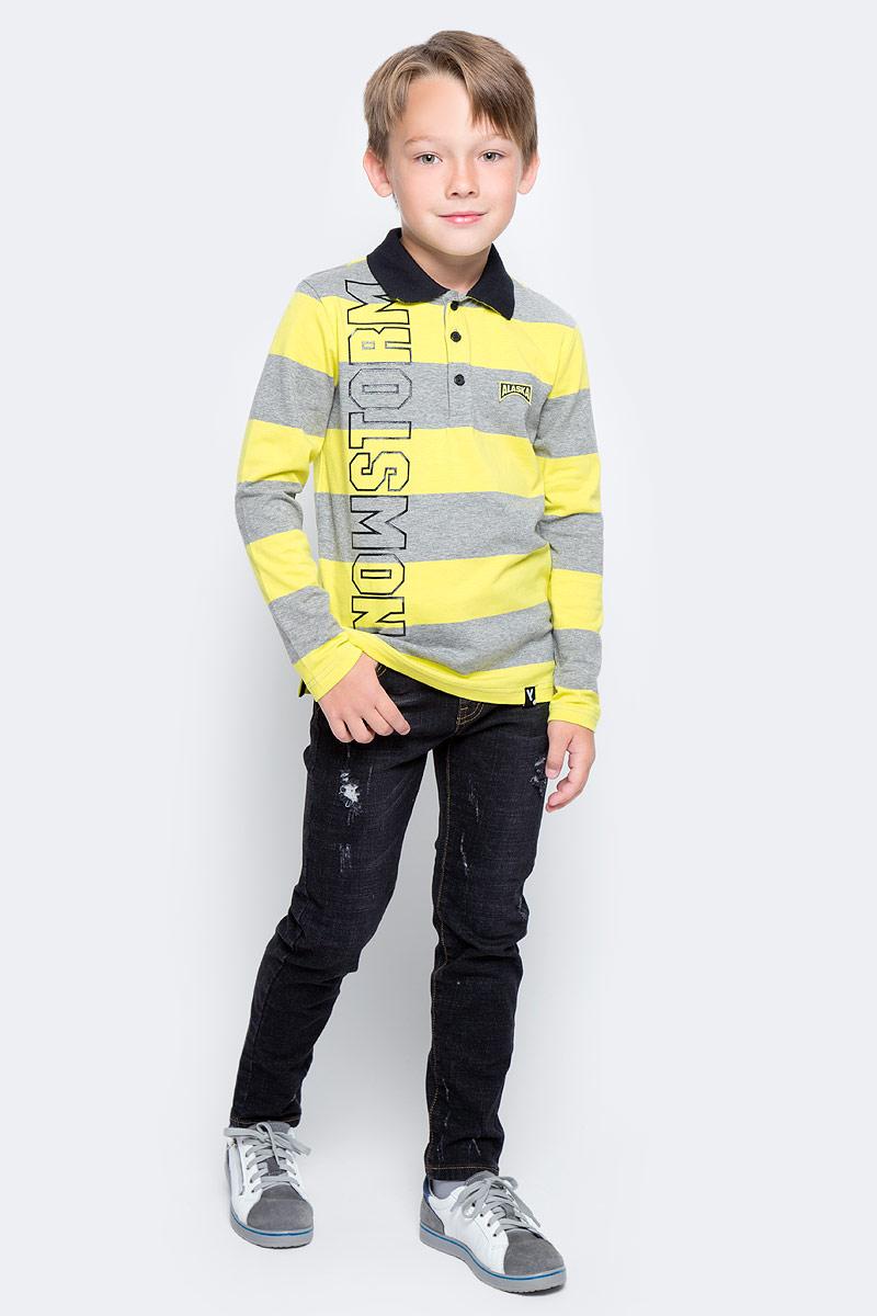 Поло для мальчика PlayToday, цвет: серый, желтый. 371112. Размер 128371112Футболка-поло PlayToday с длинным рукавоми застежкой на пуговицы может быть и домашней, и повседневной одеждой. Модель из эластичного хлопка. Лекало является точной копией футболки-поло для взрослого мужчины.