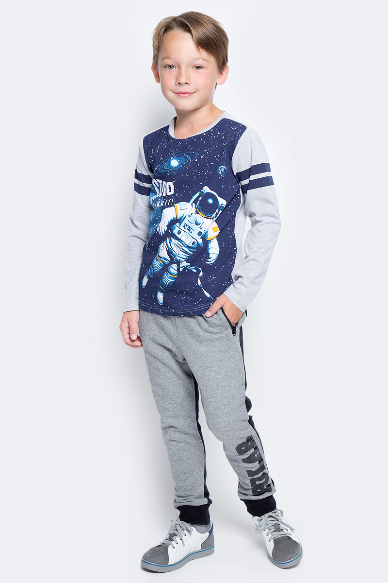 Футболка с длинным рукавом для мальчика PlayToday, цвет: темно-синий, серый. 371169. Размер 128371169Футболка PlayToday выполнена из эластичного хлопка. Модель с длинными рукавами и круглым вырезом горловины оформлена принтом.