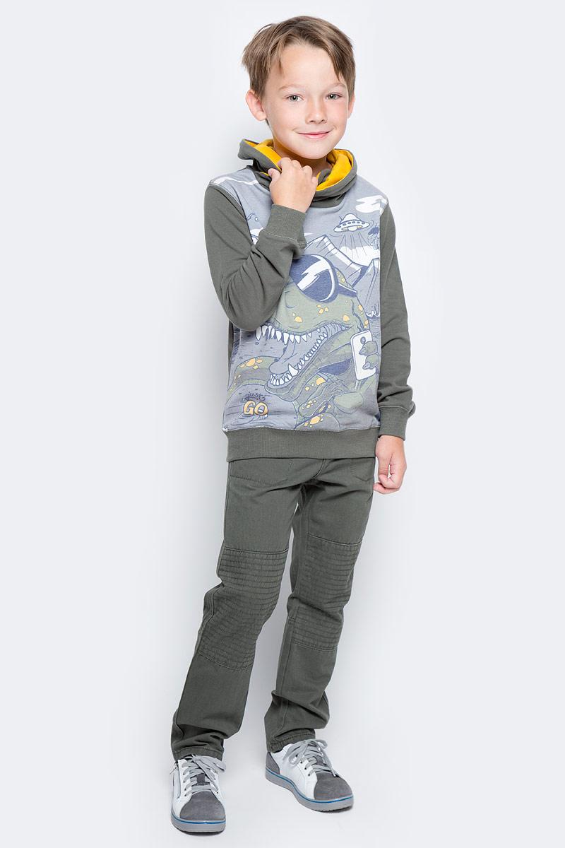 Толстовка для мальчика PlayToday, цвет: темно-зеленый, серый. 371162. Размер 128371162Толстовка PlayToday выполнена из эластичного хлопка. Модель дополнена оригинальным воротником-хомутом. Манжеты и низ изделия на мягких трикотажных резинках. В качестве декора использован оригинальный принт.