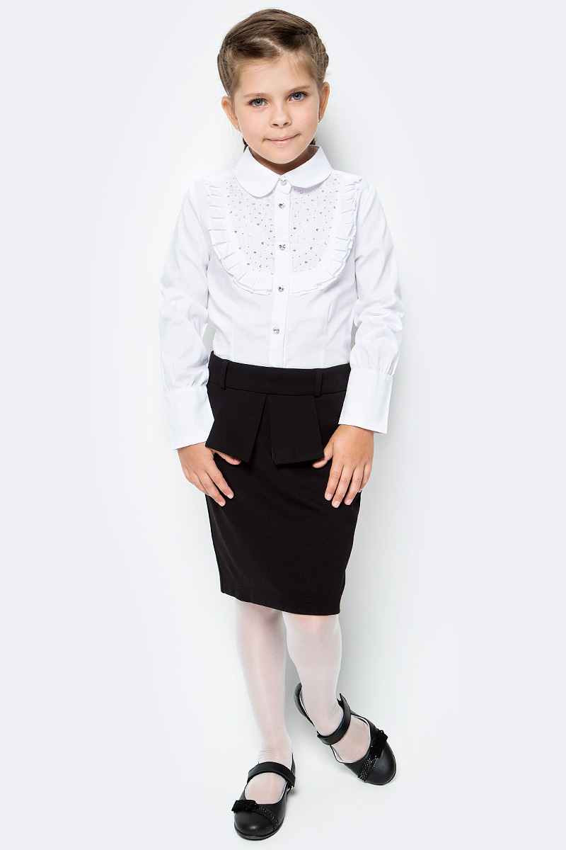 Блузка для девочки Luminoso, цвет: белый. 728246. Размер 158728246Классическая детская блузка Luminoso выполнена из хлопка и полиэстера с добавлением эластана. Модель застегивается на пуговицы, имеет длинные рукава с манжетами на пуговицах и отложной воротник. Грудка дополнена рюшами и стразами.
