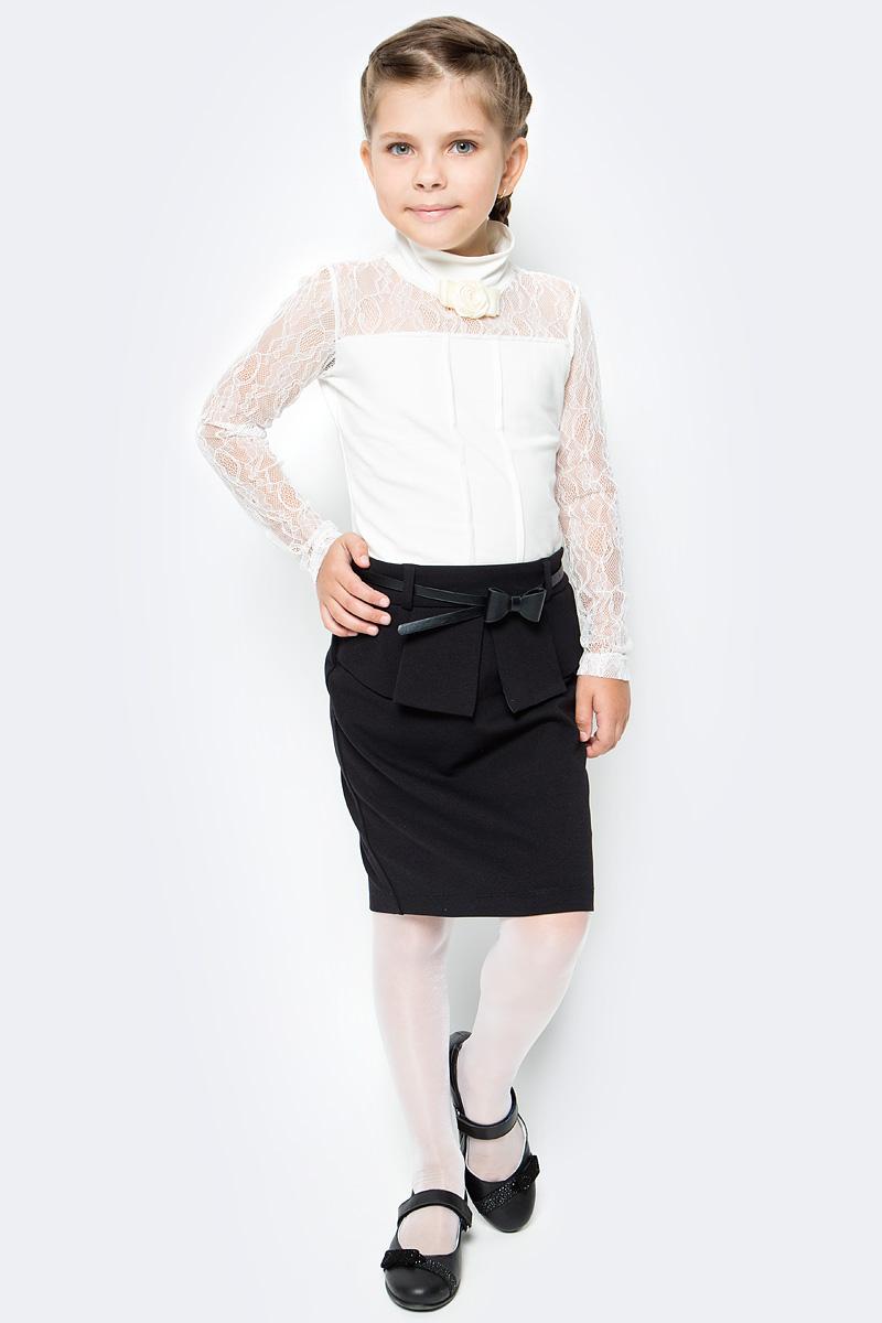 Юбка для девочки Vitacci, цвет: черный. 2173050-03. Размер 1402173050-03Стильная юбка для девочки от Vitacci выполнена из вискозы и нейлона с добавлением эластана. Модель дополнена ремешком с бантиком и баской, застегивается на молнию.