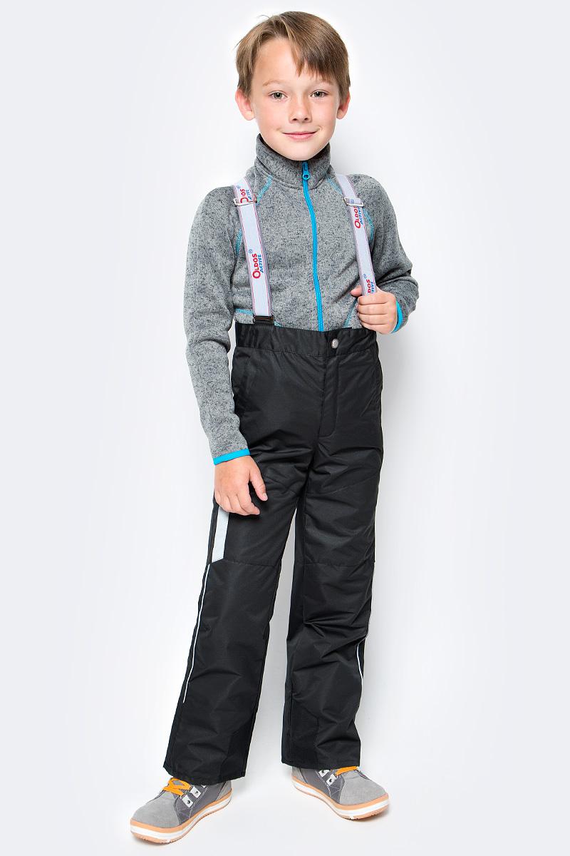Брюки для мальчика OLDOS ACTIVE Макс, цвет: черно-серый. 17/OA-3PT525-2. Размер 122, 7 лет17/OA-3PT525-2Удобные и функциональные брюки для мальчика Oldos Active Макс идеально подойдут в прохладное время года. Брюки изготовлены из водоотталкивающей и ветрозащитной ткани. Внешнее покрытие Teflon отталкивает грязь и воду, продлевает срок службы изделия, а нанесенная с изнаночной стороны ткани мембрана 3000/3000 позволяет дышать - отводит излишнюю влагу наружу, поддерживая комфортную для тела ребенка атмосферу. Приятная к телу подкладка из качественного полиэстера дополнена по низу ветрозащитной муфтой с антискользящей резинкой.Легкие и не стесняющие движения брюки рассчитаны на температуру воздуха от 0°С до +15°С.Удобные и функциональные брюки прямого покроя застегиваются на кнопку и липучку в поясе, а также имеют ширинку на застежке-молнии. Сзади на поясе предусмотрена широкая резинка. Съемные эластичные наплечные лямки регулируются по длине и крепятся к поясу. Спереди находятся два втачных кармашка на застежках-молниях.Светоотражающие элементы не оставят вашего ребенка незамеченным в темное время суток.