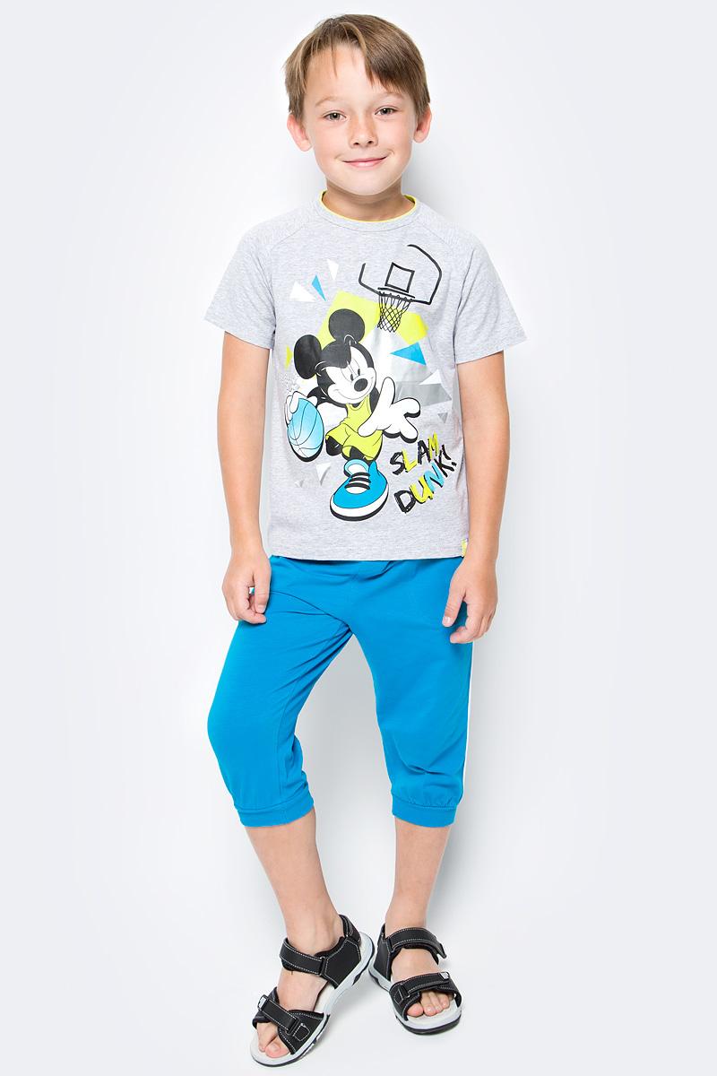 Комплект одежды для мальчика PlayToday: футболка, бриджи, цвет: голубой, серый. 570002. Размер 116570002Комплект PlayToday, состоящий из футболки и бридж, сможет быть и повседневной, и домашней одеждой. Бриджи на широкой резинке, не сдавливающей живот ребенка, с регулируемым шнуром-кулиской, дополнены карманами. Низ брючин на мягких манжетах. Горловина футболки усилена специальной плотной вставкой, которая защищает изделие от деформации. В качестве декора использован яркий лицензированный принт.