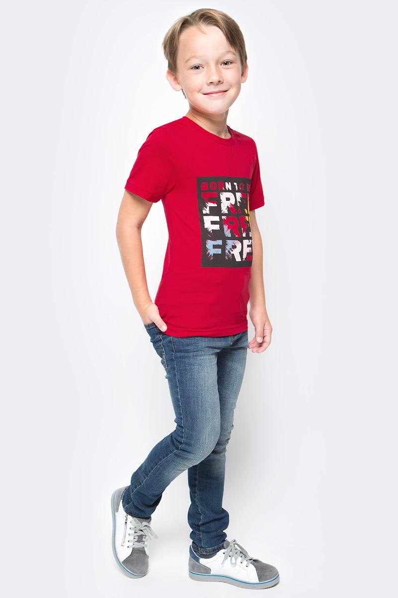 Футболка для мальчика LeadGen, цвет: бордовый. B613042916-171. Размер 116B613042916-171Футболка для мальчика LeadGen выполнена из натурального хлопкового трикотажа. Модель с короткими рукавами и круглым вырезом горловины спереди оформлена принтом.