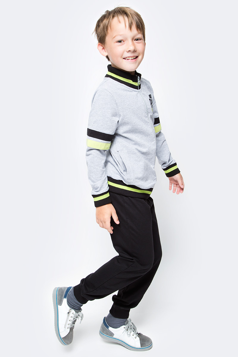 Спортивный костюм для мальчика Cherubino, цвет: серый меланж, черный. CAJ 9657. Размер 140CAJ 9657Костюм спортивный Cherubino для мальчика состоит из кофты и брюк, изготовленных из хлопка с добавлением полиэстера. Кофта с воротником-стойкой и длинными рукавами застегивается на застежку-молнию. Брюки дополнены широкой резинкой на талии. Низ брючин дополнен эластичными манжетами.