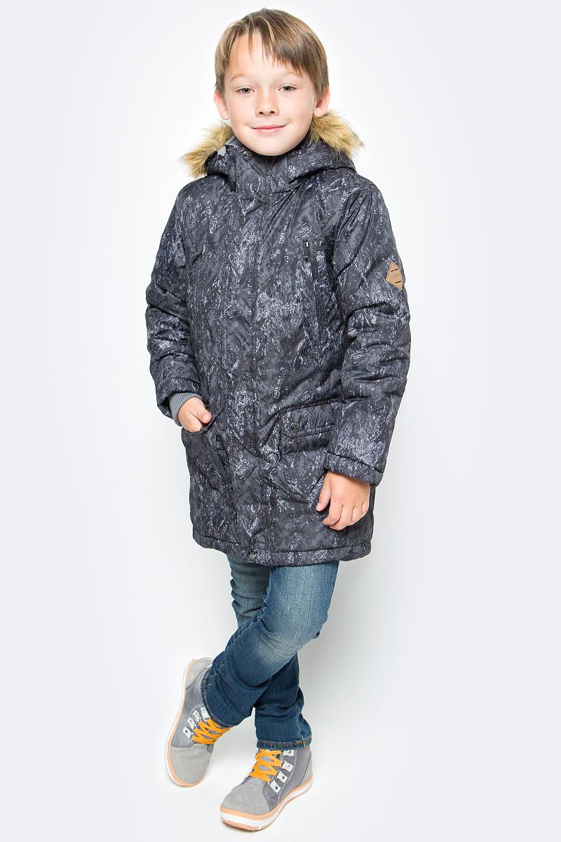 Куртка для мальчика Huppa Vesper, цвет: черный. 17480030-73209. Размер 15217480030-73209Куртка для мальчика Huppa c длинными рукавами, воротником-стойкой и съемным капюшоном выполнена из высококачественного водонепроницаемого и ветрозащитного материала на основе полиэстера. Модель застегивается на застежку-молнию с защитой подбородка спереди и имеет ветрозащитный клапан на кнопках. Куртка дополнена светоотражающими элементами, все швы проклеены.